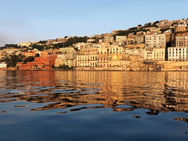 tour in barca posillipo